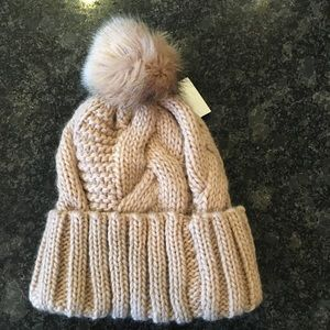 H&M Cable knit beanie with faux fur Pom Pom